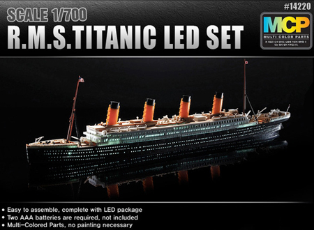Byggmodell båt - R.M.S.Titanic MCP - Colored parts - LED Set - 1:700 - AC