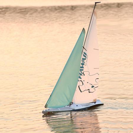 radiostyrd segelbåt byggsats